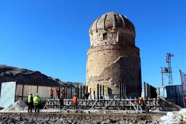 Hasankeyf'in 650 Yıllık Zeynel Bey Türbesi Yeni 18 Nisan'da Taşınıyor